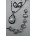 Shell Pearl 3-pc Necklace/Earring/Bracelet set - Teardrop